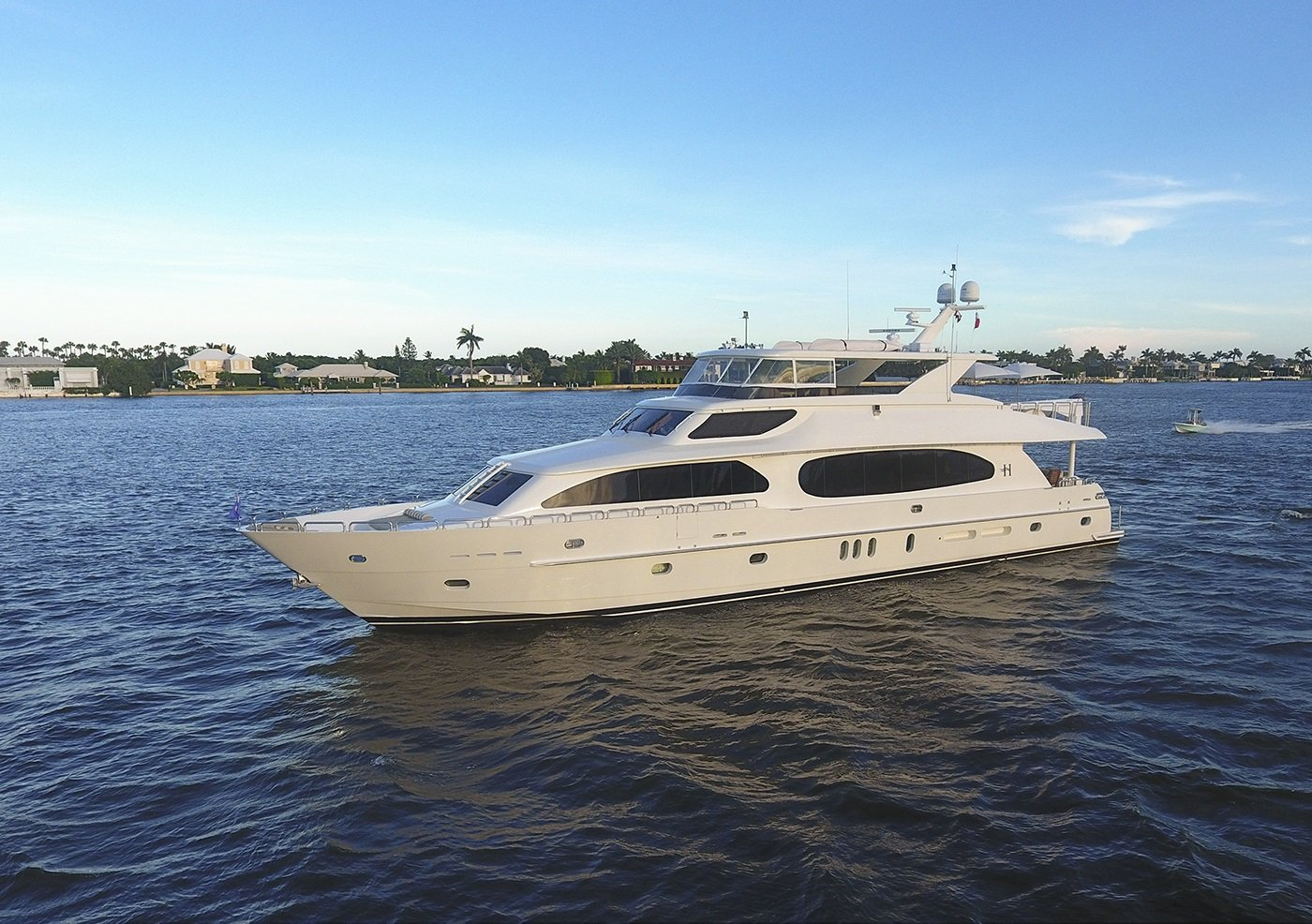 Luxury Charter Yacht Lady Deena Running Shot